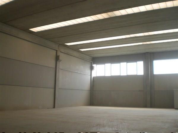 Cambiago capannone nuovo di 1250 mq agenzia vendocasa for Capannone di 144 mq