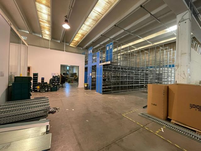 Pozzo D'Adda – capannone di 1200 mq ca  oltre 200 mq ca di uffici