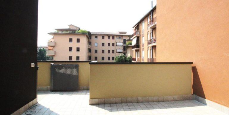 Centro -  Appartamento monolocale con terrazzo
