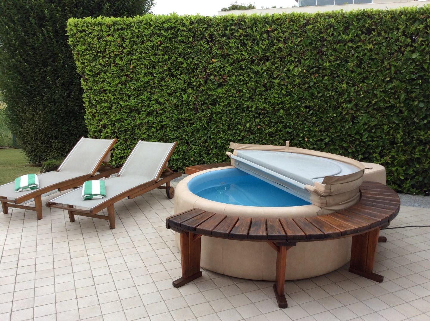 Bellusco villa singola con giardino di 600 mq agenzia for Giardino 80 mq