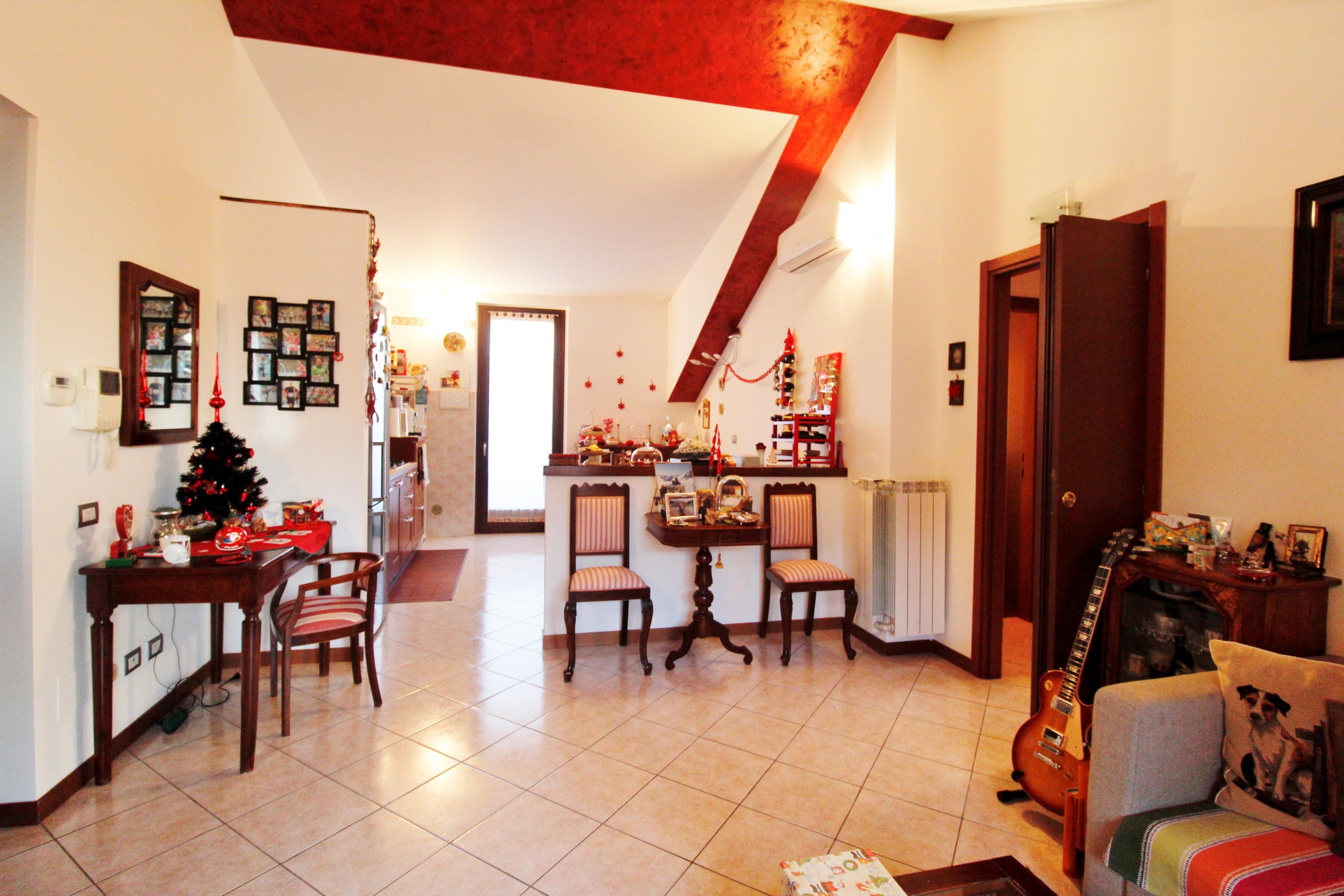 Bernareggio -Trilocale con terrazzo