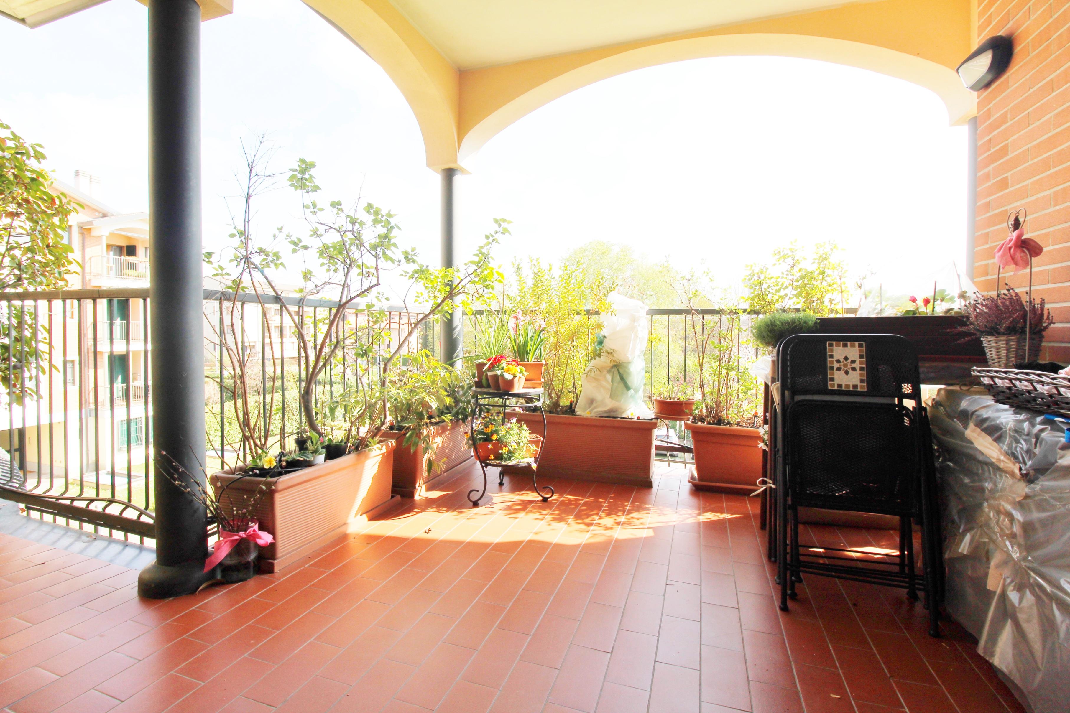Ornago- trilocale ultimo piano con terrazzo di 30mq e box
