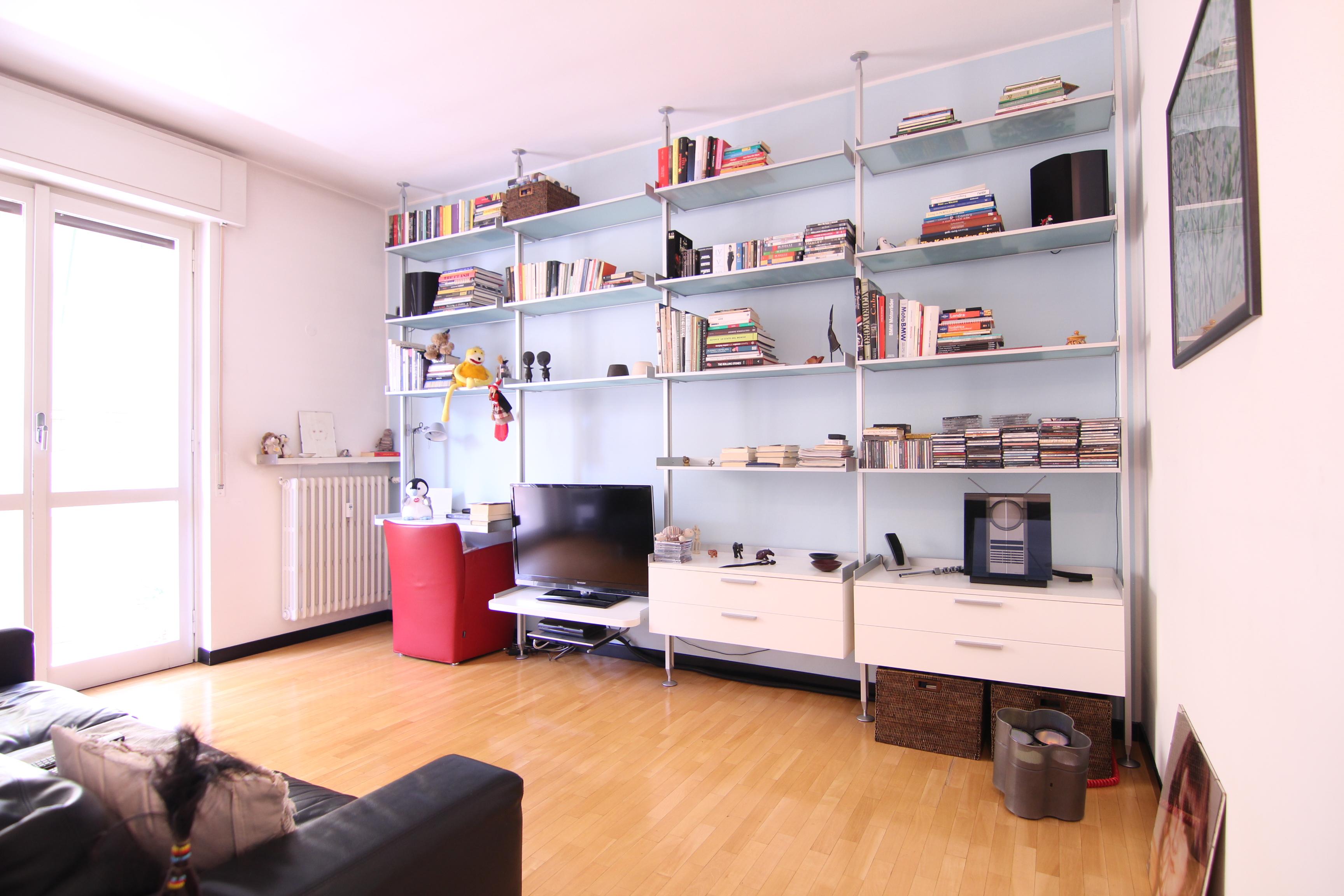 Bernareggio-ultimo piano due locali con cucina abitabile